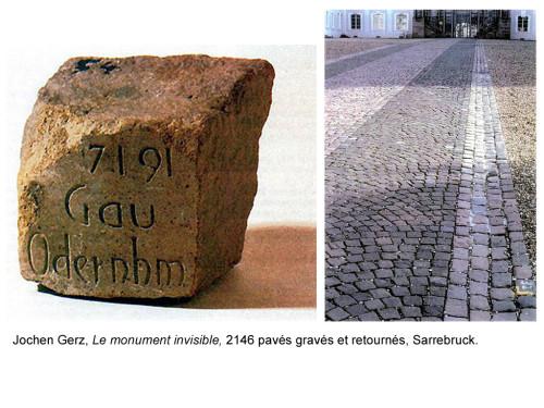 Jochen Gerz, Monument contre le racisme. Détail d'un pavé. Vue de la place du Monument Invisible. 1990-1993. Sarrebrück.